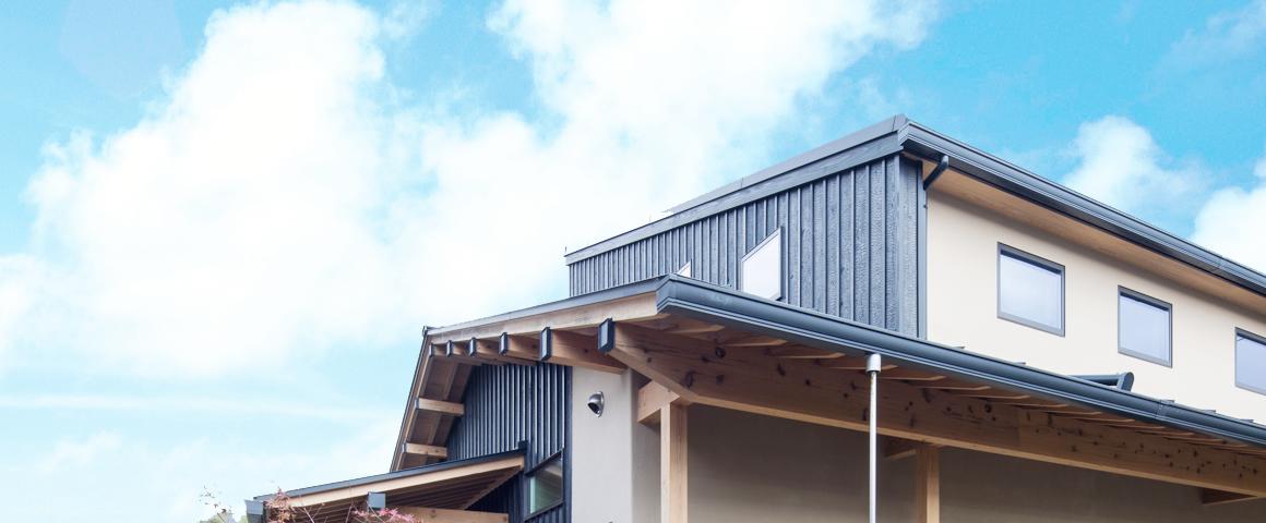 写真:屋根と空