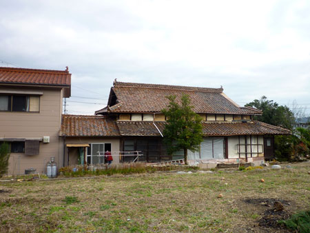 「炭焼 万作 えびす通り」解体後の古民家