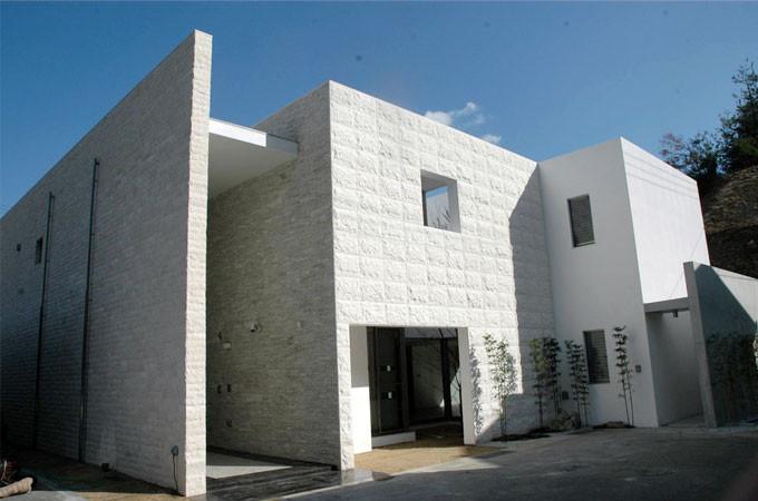 広島県呉市 天然大理石の家