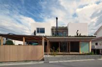 東広島市西条 芝屋根の家