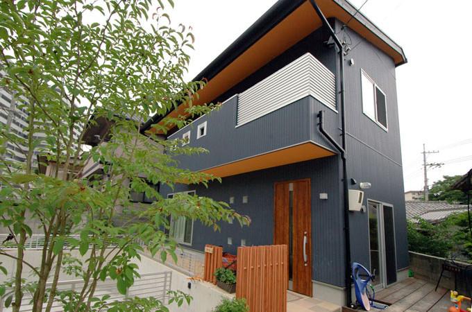 広島県安芸郡府中町 自然素材と無垢の木を使った、大黒柱のある家族みんなが楽しい家